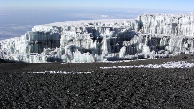 Glacier_at_summit_of_Mt_Kilimanjaro_003