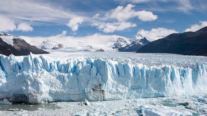 800px-Perito_Moreno_Glacier_Patagonia_Argentina_Luca_Galuzzi_2005