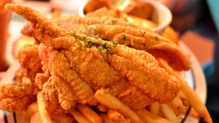acme_oyster_house_shrimp_and_catfish_platter.jpg