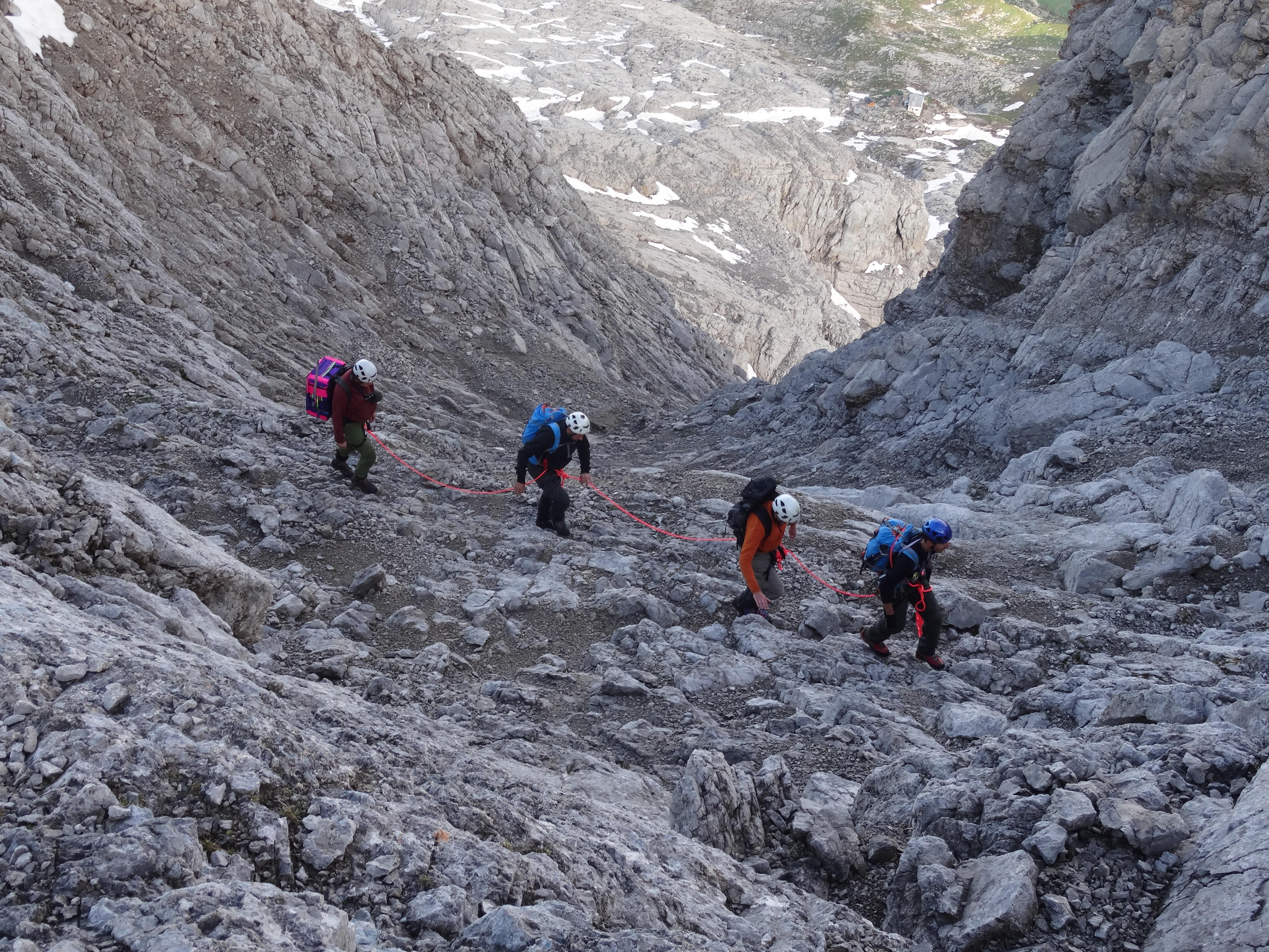 walking-mountain-group-people-hiking-adventure-mountain-range-recreation-climbing-extreme-sport-ridge-summit-mountaineering-geology-sports-climbers-moraine-confidence-geological-phenomen