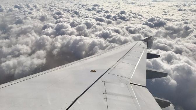 aircraft-2687099_960_720