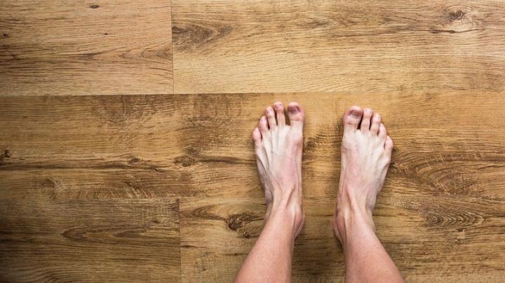 barefoot-2617757_960_720