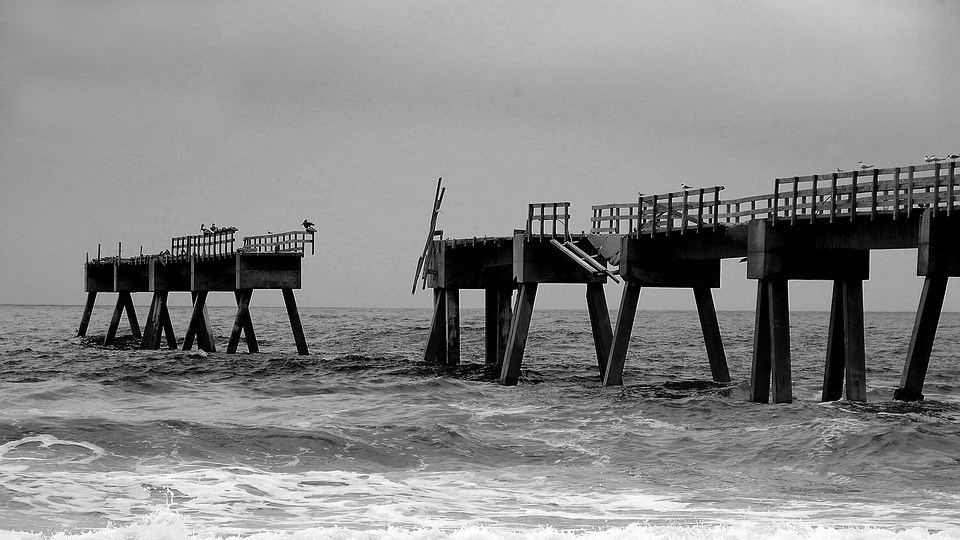 fishing-pier-3603775_960_720.jpg