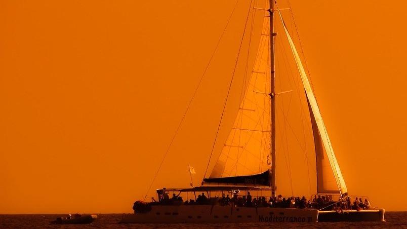 cruise-boat-2920473_960_720